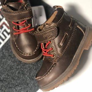 New OshKosh Bigosh baby boy brown boots. Size 5